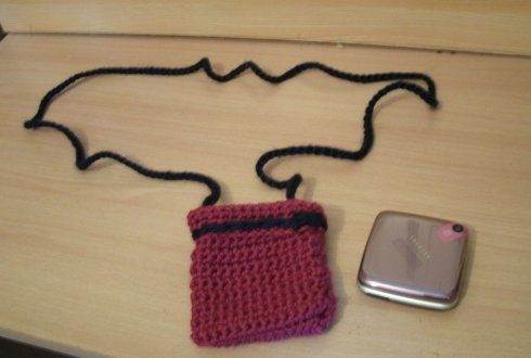 Le crochet, un passe temps E-et-Cie-pochette-telephone-au-crochet-01